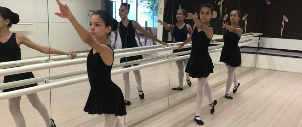 Clube começa a oferecer aulas de balé para todas as idades