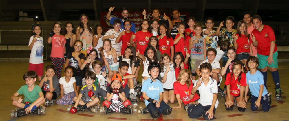Escolinha de hóquei conta com mais de 60 crianças inscritas
